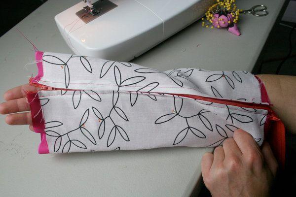 Maquillaje Bolsa Tutorial | Aprenda cómo coser en DiyReady.com