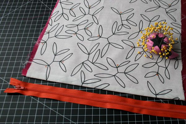 Adición de una cremallera | Tutoriales de costura en DiyReady.com