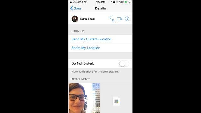 En la pantalla de detalles usted tiene la opción de compartir su ubicación. Si decide Compartir mi ubicación actual no se actualiza. Si decide Compartir mi ubicación se actualizará con base en el tiempo que desea.