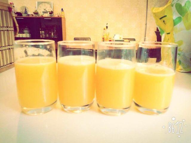 Fotografía - Cómo simple, jugo delicioso hecho en casa de Orange