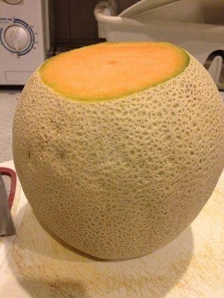 Coloque el melón como tal
