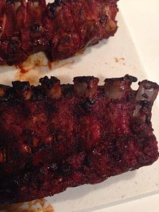 Además, aquí es otro pro-punta. Una de las maneras que usted puede decir que la carne que se hace es cuando la carne empieza a separarse del hueso. Cuando vea consejos hueso expuesto, puede estar usted seguro're ready.