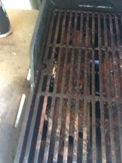 Las bombas de humo no hacen mucho humo, pero usted debería ser capaz de oler cuando estén listos.
