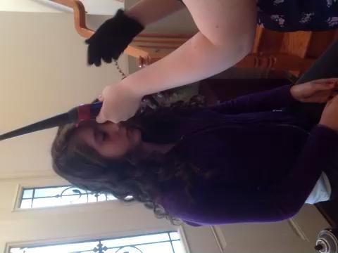 Flequillo: Si tienes flequillo y que le gustaría para rizar ellos, asegúrese de rizar el pelo de la cara.