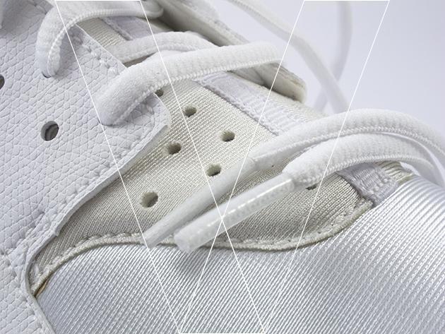 3. Huaraches vienen con cordones tubulares aplanadas, asegúrese de que las puntas de los cordones tienen una tapa transparente apretado. Debe haber una línea costillas se unen corriendo por el lado de los encajes.