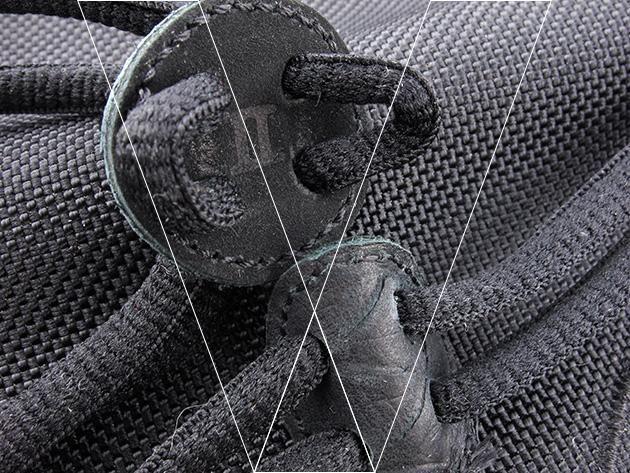 2. Bloqueo de la bolsa de polvo de encaje: Busque los números romanos II debossed en las cerraduras de encaje bolsa de polvo.