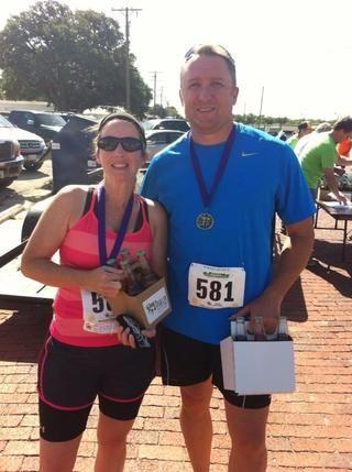 Aquí estoy, un año después! Sin dejar de correr y amar la vida! yo'm training for a marathon! My fastest mile now is now at 8 minutes and I train at a 10:15 pace for 13+ miles!!!