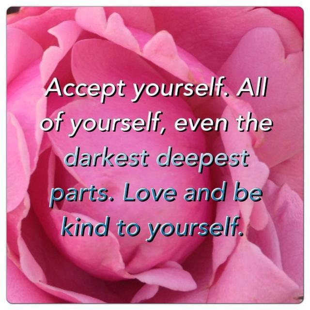 Avergonzar a ti mismo no te hará nada. Amarse a sí mismo es el resultado que realmente quieres de la pérdida de peso, por lo que el amor debe ser el medio para ese fin.