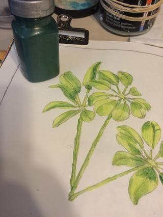 El tercer tono de verde que uso es Emerald piedras preciosas.