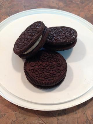 Reúna cookies para aplastar a su chocolate