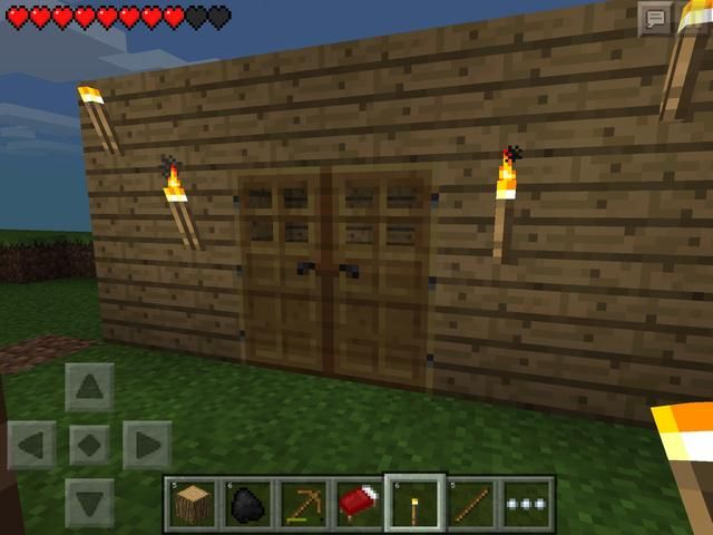 ¡Perfecto! Asegúrese de poner antorchas dentro y por fuera. Si lo desea, no dude en hacer algunas puertas para hacer más fácil para entrar. Requieren 6 tablas de madera cada una, por lo que don't worry if you don't have enough left.