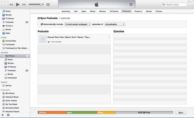 Tras el proceso de sincronización, verá que tanto la lista Podcasts en el panel de la biblioteca de iTunes y el panel de dispositivos muestran un episodio inaudito está sincronizado a ambas unidades.