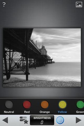 A continuación, haga clic en el icono de filtro para seleccionar entre: neutral, rojo, naranja, amarillo o verde. Elegí amarilla. Haga clic para guardar. (imagen de los derechos de autor steve Angelkov)