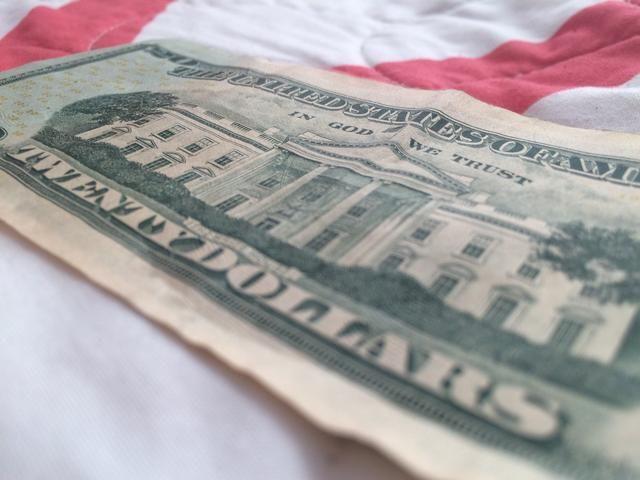 Ángulo es todo. Acabo de tomar un dólar como mi tema.