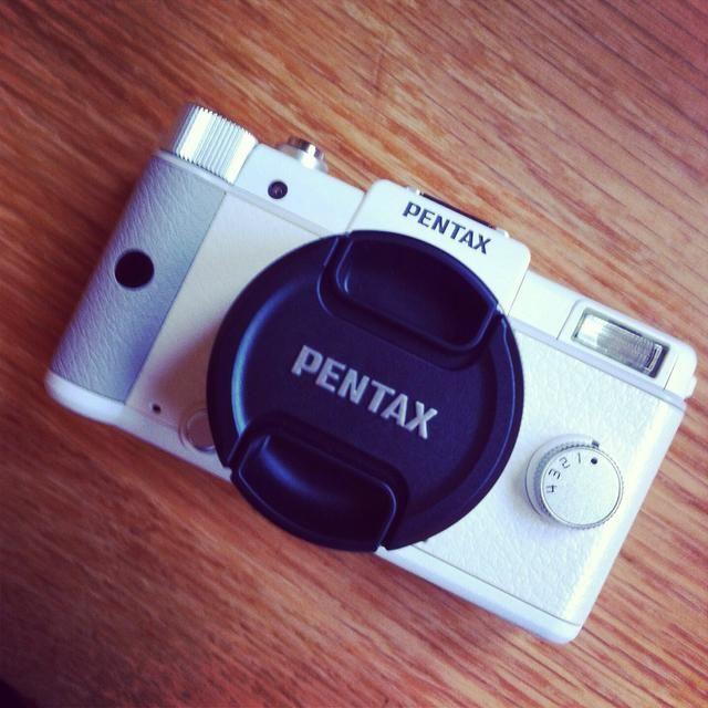Para la mayoría de las fotos, tiendo a usar mi iPhone o mi cámara (Pentax Q - Standard primer objetivo). La mayoría de mis fotos fueron hechas con un iPhone como el de la mariposa y la cascada de disparos que viste antes