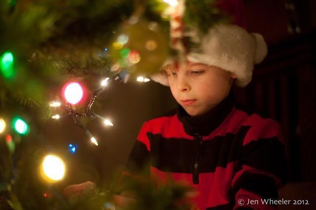 Pruebe la elaboración de su hijo con la actividad a mano. Aquí, lo tengo justo entre las ramas. Punto metros en la cara.