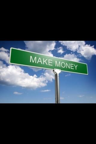 Hacer dinero por conseguir trabajo extra en lado como limpiando casas, sentado con ancianos, cuidado de niños, o vendiendo objetos que ya no usa o nuevos elementos que ha realizado.