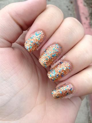 Aplicar lo brillo pulido que're using. I'm wearing three coats of Air Nomads from this indie brand Daily Lacquer. And do your top coat.