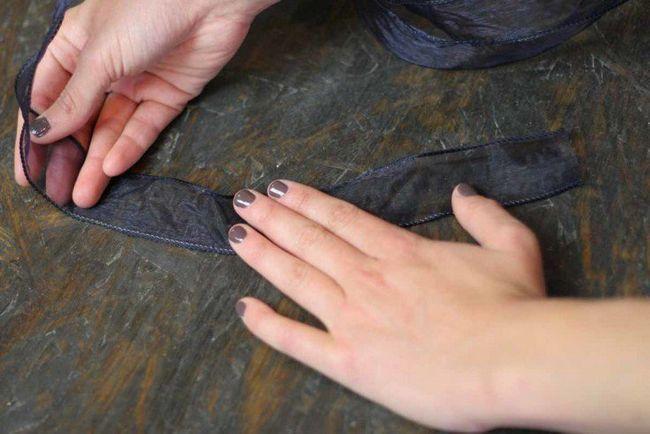 Cómo hacer una salida del arco de la cinta   Cómo atar un arco