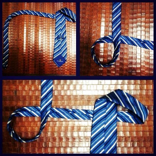 Sujete el otro extremo de la corbata a continuación, hacer un círculo.