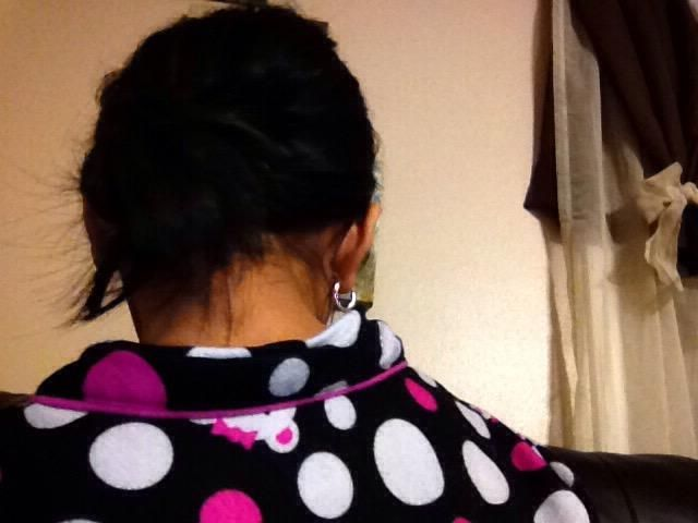 Usted podría probablemente todavía no lo ve porque mi pelo es negro. Pero debe ser mejor que la mía.