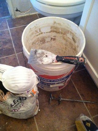 Cubo de Utilidad, la lechada de arena blanca, mascarilla, espátula y un mezclador (no se utiliza)