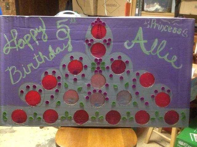 Aquí está el producto terminado. Yo tenía una sobrina personalizarlo para mí. Princesa Allie dijo que era la mejor diversión en su fiesta de cumpleaños. Este proyecto no me cuesta nada.