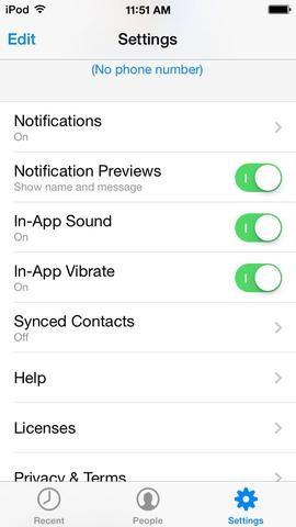 Abre la aplicación y vaya a AJUSTES. Toque contactos sincronizados.