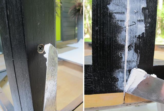 Una vez conectado, use un parche espátula y madera para ocultar las cabezas de los tornillos y llenar los vacíos entre las sillas. Esto creará una superficie lisa y unificada.