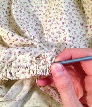Tome una aguja de crochet y la puso pensó línea de cintura vacío