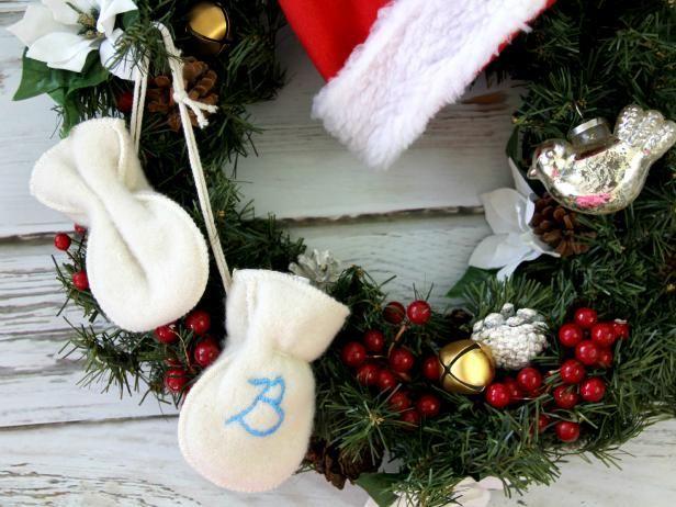 Fotografía - Cómo activar las manoplas para bebés en un ornamento de navidad