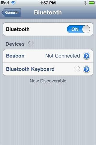 Vaya a su sección de BLUETOOTH en la configuración de tu Ipad y enciéndalo. Siga las instrucciones de su teclado's manual to connect it to your Ipad, Or look up some tutorials.