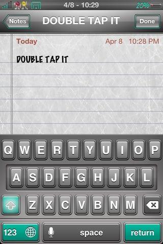 Si hace doble toque la tecla SHIFT, se volverá azul y se puede escribir todas las palabras en el capital o la pena capital.