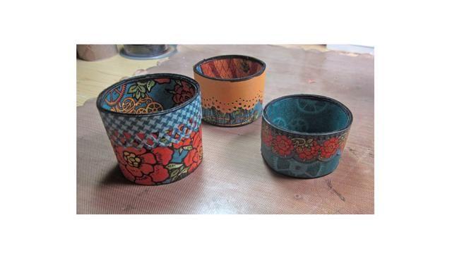 Estas son las tres bases diferentes que he creado. He añadido algunos bordes decorativos / fronteras ya sea utilizando pegatinas de la colección G45 o el papel que ha sido golpeado con un punzón decorativa Martha Stewart.