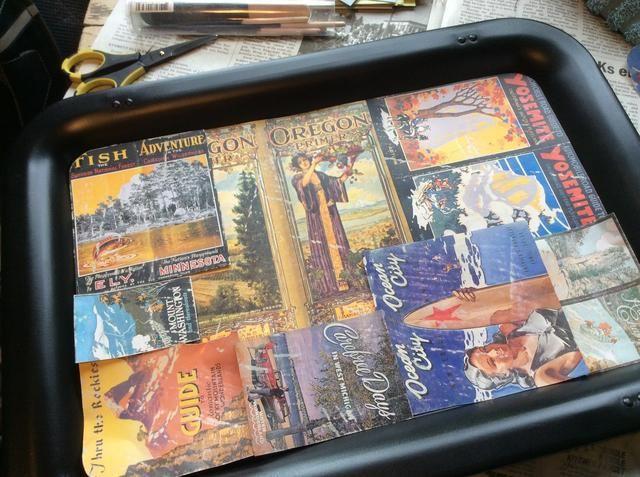 Una vez que mis bandejas pintadas de aerosol estaban secos, puse las piezas Ephemeras preparados y los arreglé en un bonito collage.