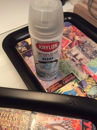 Una vez que las bandejas collage son secos (que's best to wait a day or so), spray with a clear sealer.