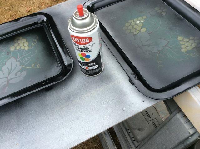 Después de que estaban completamente secos, me quité la parte de bandeja para la pintura.