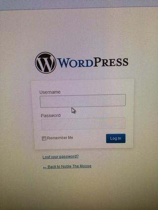 Inicia sesión con tu nombre de usuario y contraseña de wordpress. Si usted pierde su nombre de usuario y contraseña o, lo puede conseguir / recrear aquí.
