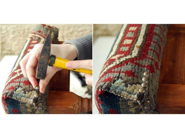 Coloque sobre los pasadores que decoran las uñas.