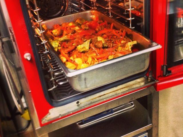 Cómo utilizar un Alto-Shaam Combi rehogar pollo vasca Receta