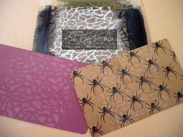 O impresión fantasma En segundo lugar, en papel kraft de Halloween preimpreso.