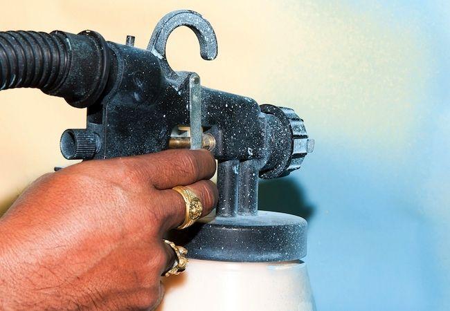 Fotografía - Cómo: Utilizar una pistola de pulverización de pintura