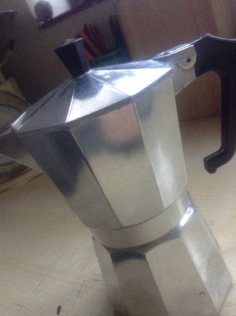 Fotografía - Cómo usar y limpiar una estufa italiana Cafetera