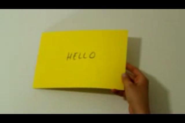 Etiquetar una tarjeta en algo que usted envía a un cliente.