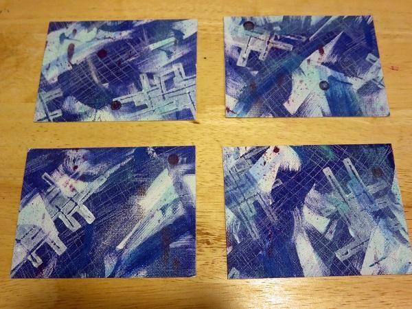 A continuación, el lienzo fue cortado en cuatro paneles que miden 3 3/4 x 5 cada uno.