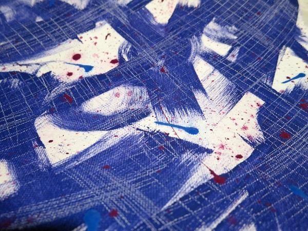 Cada uno de los dos colores principales fueron usados por separado para hacer Splats en el lienzo.