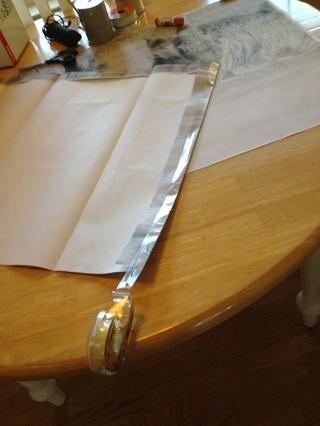 Utilice doble cara cinta o pegamento para unir los lados