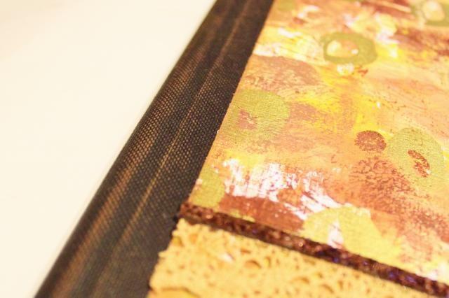 frotar la toalla de papel a través de la columna vertebral para transferir un conjunto de calor de tinta ...