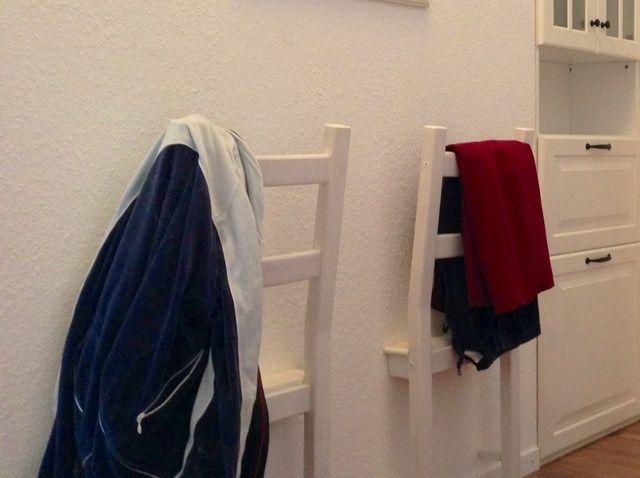 Fotografía - Cómo utilizar La mitad de una Cátedra para colgar la ropa en el Evening