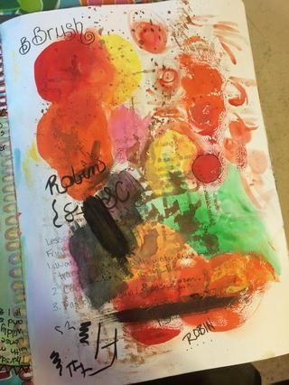 Elegí una página de mi diario de arte que había estado usando como papel borrador. Reviso mis plumas, limpie el exceso de pinturas, etc. en esta página.